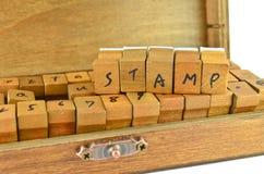 木头做的不加考虑表赞同的人 免版税图库摄影