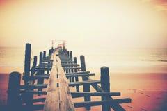 木头的桥梁老海运 图库摄影