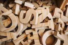 木字母表类型工艺供应产业 免版税库存图片