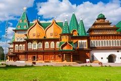 木宫殿在俄罗斯 免版税图库摄影