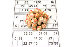 木小桶和卡片乐透纸牌或宾果游戏比赛的 图库摄影