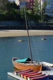 木小船低动力化的浪潮 库存图片