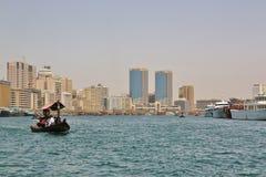 木小船在迪拜 库存照片