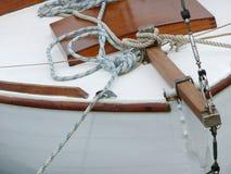 木小船的船首 免版税库存照片