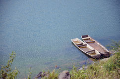 木小船,手工制造 免版税库存照片