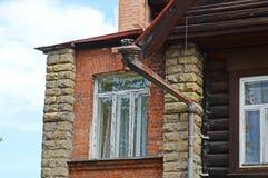 木屋的石部分 老伊尔库次克建筑学  免版税库存照片