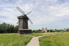 木建筑学博物馆在夏天 免版税库存照片