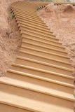 木弯曲的楼梯 免版税库存图片