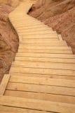 木弯曲的楼梯 库存照片