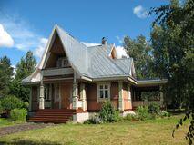 木房子俄国的样式 免版税库存图片
