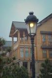 木房子,灯笼,雪 库存照片