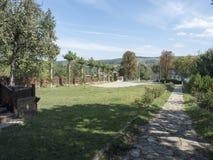 木教会的庭院Jercălăi村庄的,普拉霍瓦县 库存图片