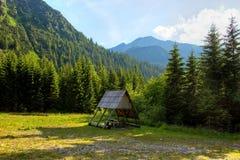 木旅游风雨棚 库存照片