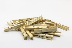 木晾衣绳别针 库存照片