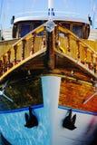 木有历史的船首的船 库存图片