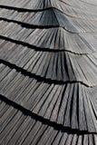 木木瓦屋顶复盖物新的钟楼 免版税库存图片