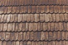 木木瓦屋顶 免版税库存图片
