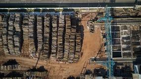 木材加工工厂顶视图 鸟` s眼睛视图 免版税库存照片