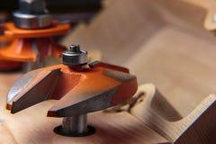 木材加工路由器盘区切削刀 免版税库存照片