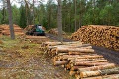 木材卡车工作 免版税库存图片