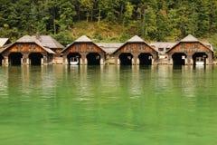 木材船库。Konigssee。德国 免版税库存图片