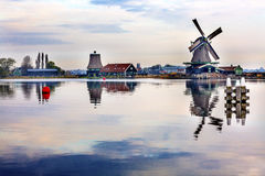 木材风车Zaanse Schans村庄荷兰荷兰 免版税图库摄影