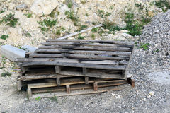木板台在公园 库存图片