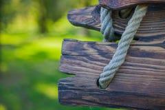 木板和绳索,设计的背景 库存图片