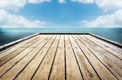 木板条天空背景 免版税库存图片