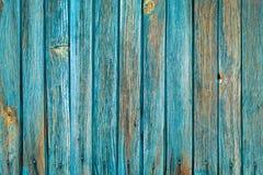 木板条纹理与削皮土耳其玉色颜色油漆的 免版税库存照片
