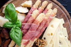 木板用开胃菜 库存图片
