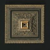 木构筑的小条四面体方形的装饰玫瑰华饰  免版税图库摄影