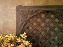 木格子和老墙壁 免版税库存图片