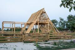 木框架住宅建设站点 库存照片