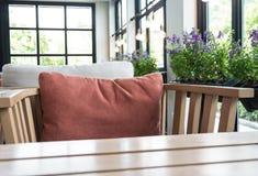 木桌的图象 免版税库存照片
