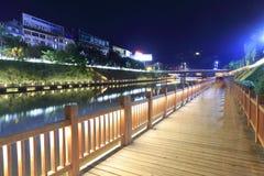 木桥夜视图 图库摄影