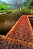 木桥梁的路径 库存图片