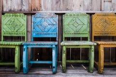 木椅子和葡萄酒样式 库存照片
