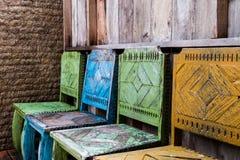 木椅子和葡萄酒样式 库存图片