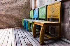 木椅子和葡萄酒样式 免版税库存图片