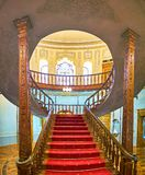 木楼梯在玻璃和陶瓷博物馆在德黑兰,伊朗 免版税库存照片