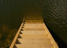 木海运的台阶 免版税库存图片