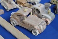 木玩具汽车手工造 库存图片