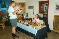 木玩具生产商在探索公园 图库摄影