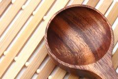 木的匙子 免版税库存图片