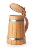 木的啤酒杯 免版税库存照片