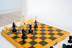 木的国际象棋棋局 免版税图库摄影