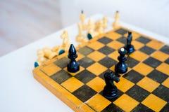 木的国际象棋棋局 库存图片