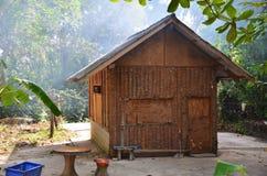 木的小屋 免版税库存照片