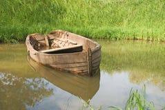 木的小船 免版税库存照片